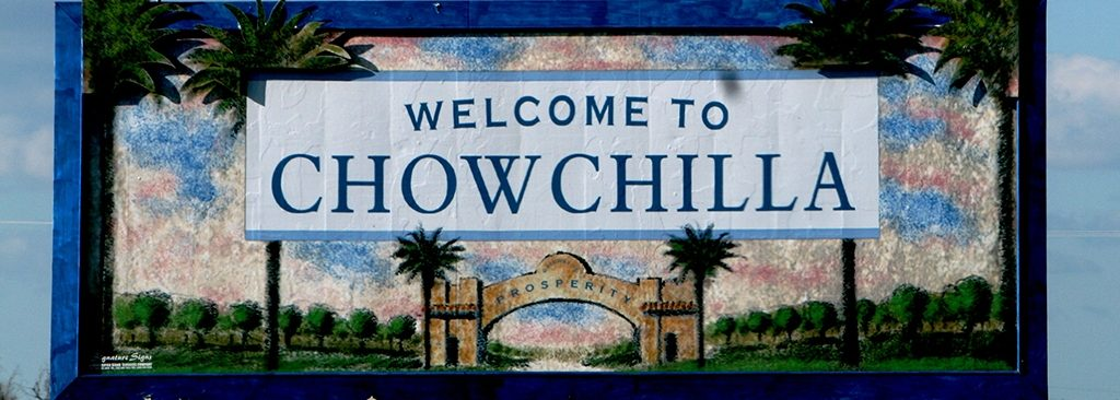 a sign welcoming commuters to chowchilla
