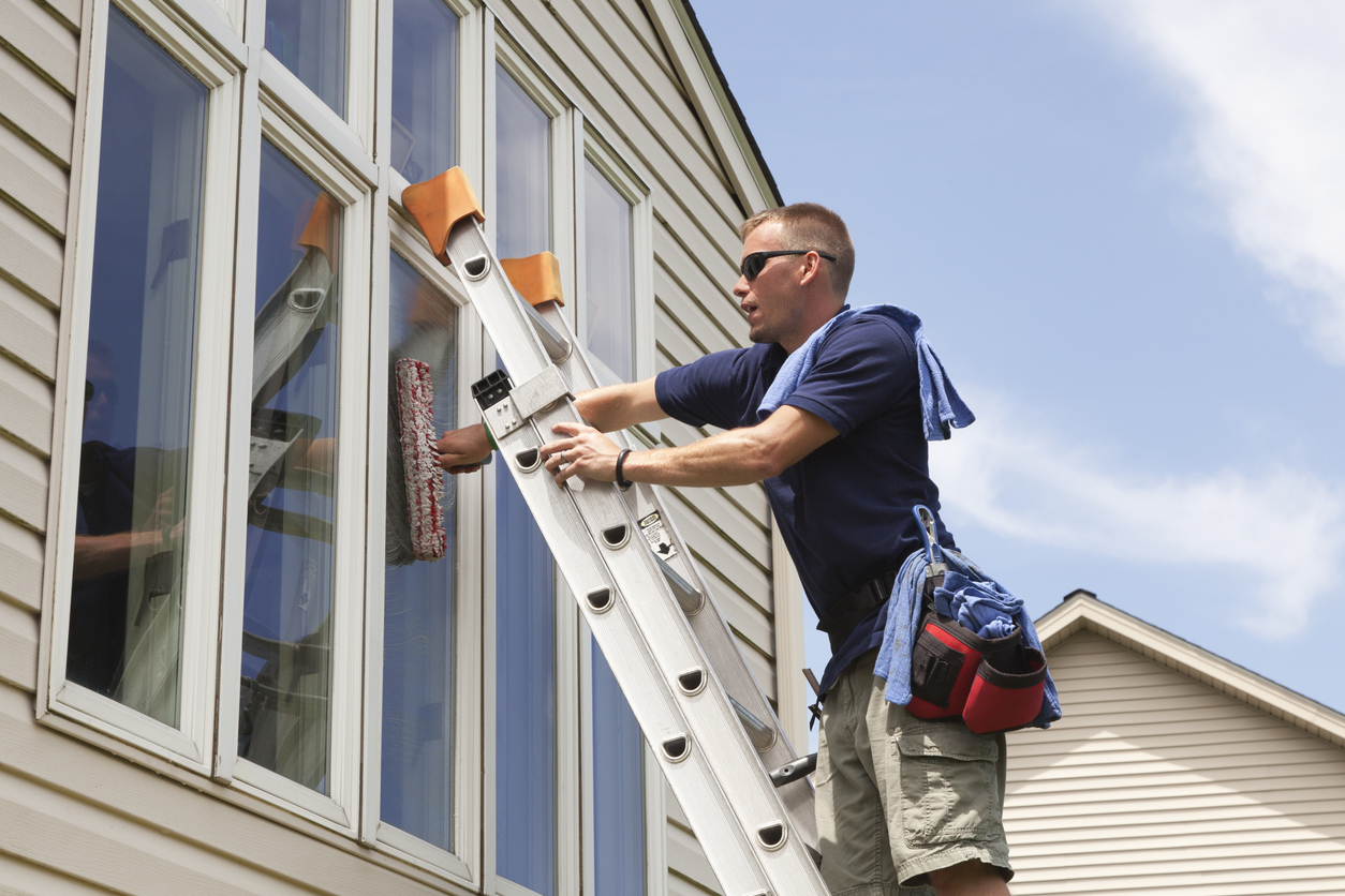 Window Washing for a Great First Impression at Your Live Oak Rental Property