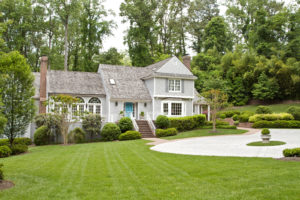 Alpharetta Rental Property with a Well-Maintained Front Yard