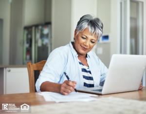 Retired San Antonio Investor Doing Personal Finances
