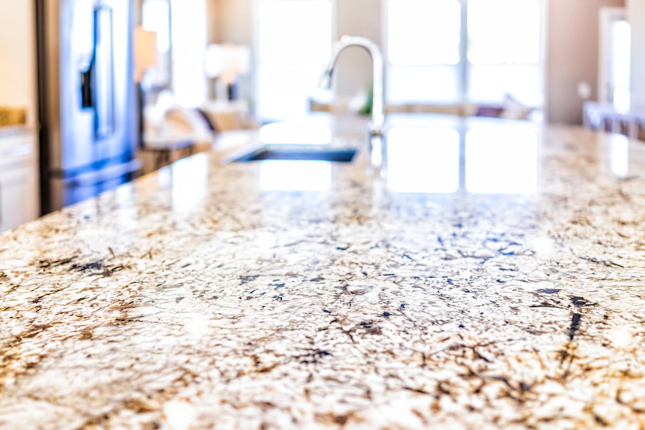 New-Granite-Countertops-in-a-Modern-Kitchen