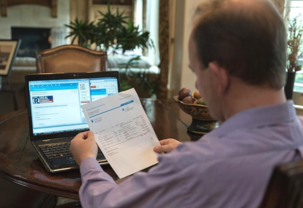 murfreesboro rental property investor sitting in front of computer