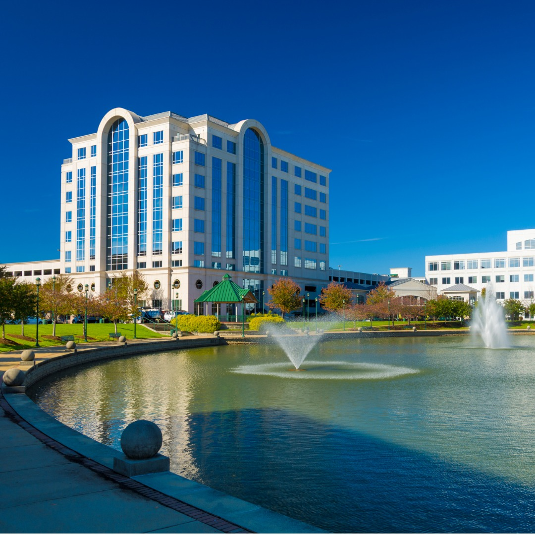 Buildings and fountains in Newport News, Virginia