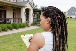 Clovis Property Manager Evaluating a Rental Property