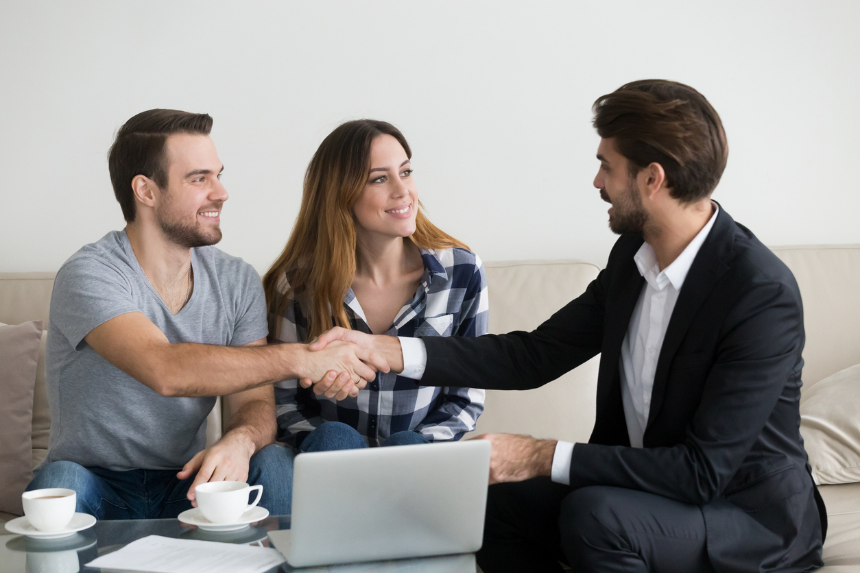 Davidson Renters Shaking Hands with a Property Manager