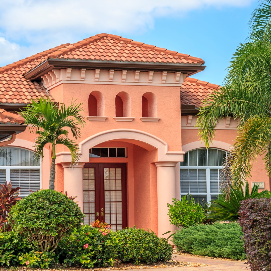 Luxury Home with Beautiful Landscaping in Florida