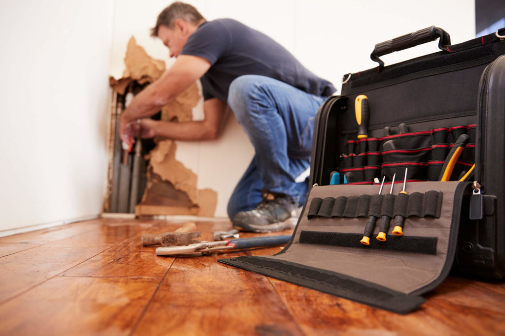 Amelia Island property managers hired repair contractor
