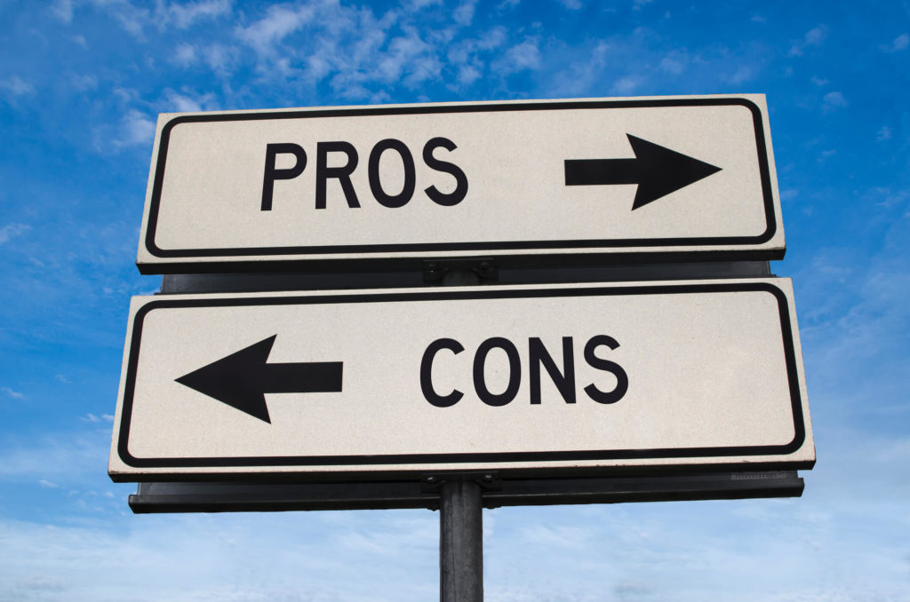 pros & cons sign posted by boca raton property manager