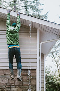 Scottsdale Tenant Falling While Hanging Christmas Lights