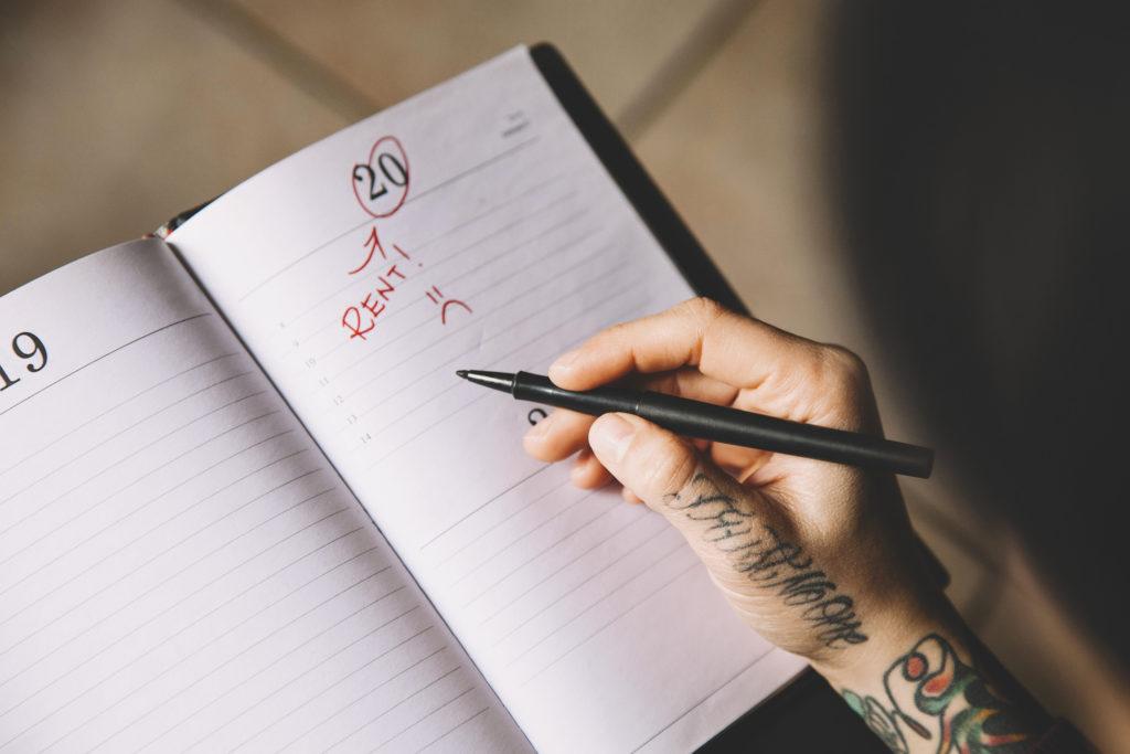 Payment Deadline on a Calendar