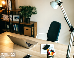 A Well-Organized Ventura Home Office