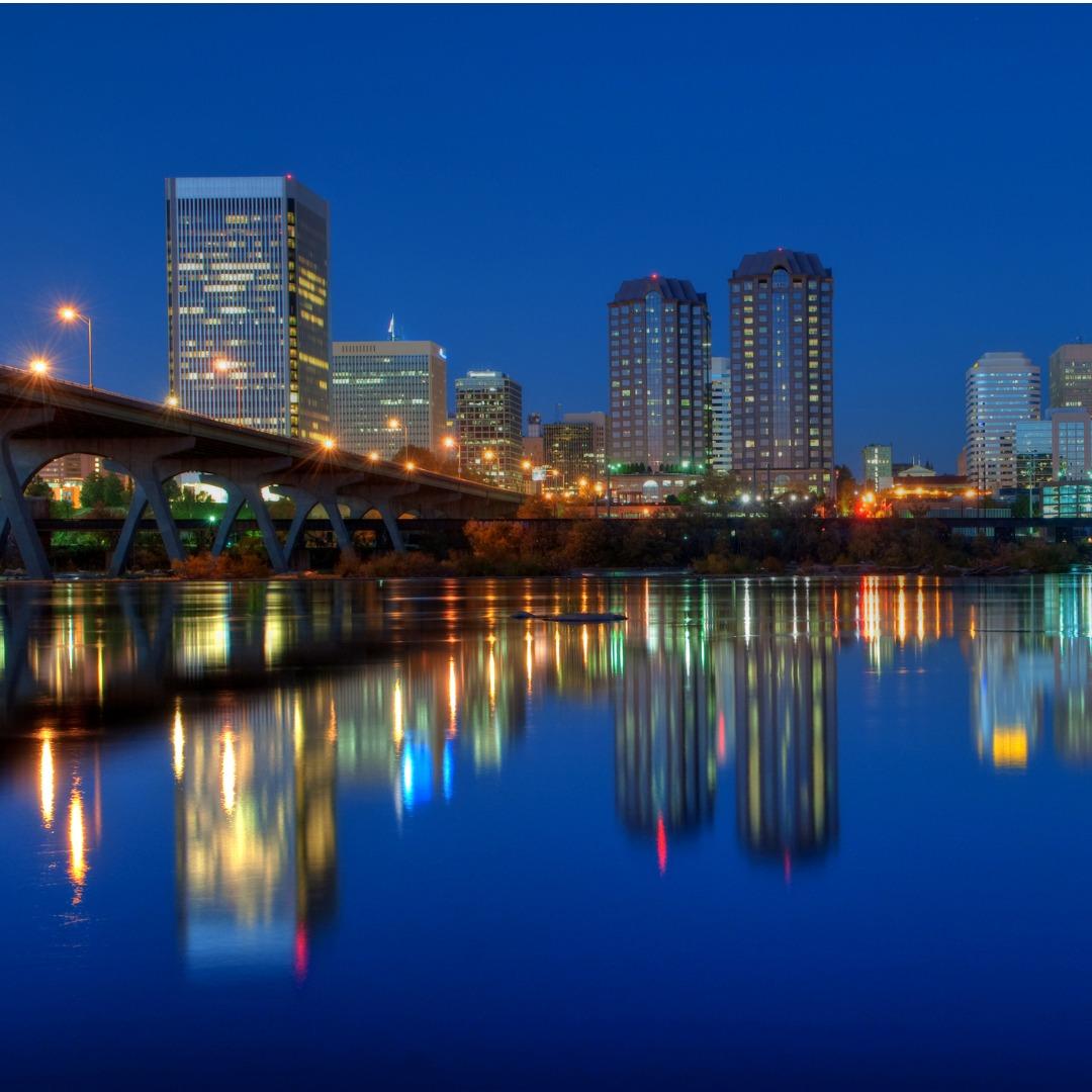 Richmond, Virginia, skyline at night